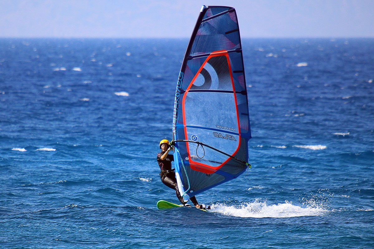 val_sailing_in_greece