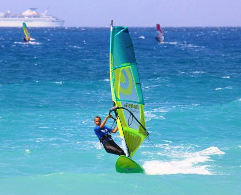 Learn how to windsurf - Windsurfing Courses